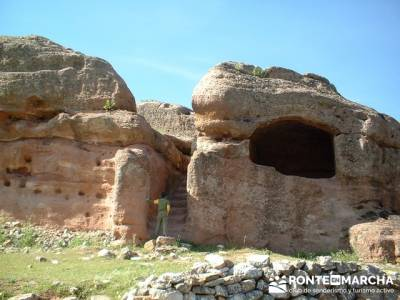 Yacimiento Arqueológico Celtibérico y Romano de Tiermes; el taller excursionista;actividades de mo